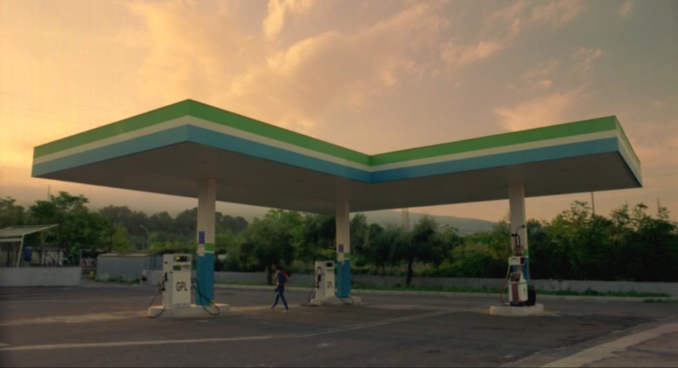 Gas Station di Olga Torrico, prodotto da Sayonara Film, Factory Film e Associazione Terre di Cinema