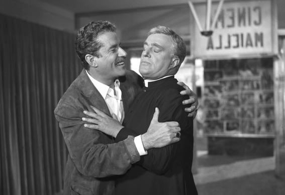 """Amedeo Nazzari e Vittorio De Sica in """"Anna di Brooklyn"""" di Vittorio De Sica, Carlo Lastricati (1958)"""