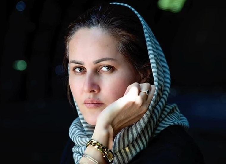 La cineasta afghana Sahraa Karimi